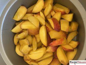 How To Make A Simple Peach Cobbler?