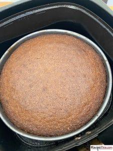 How To Make Victoria Sponge Cake Step By Step?