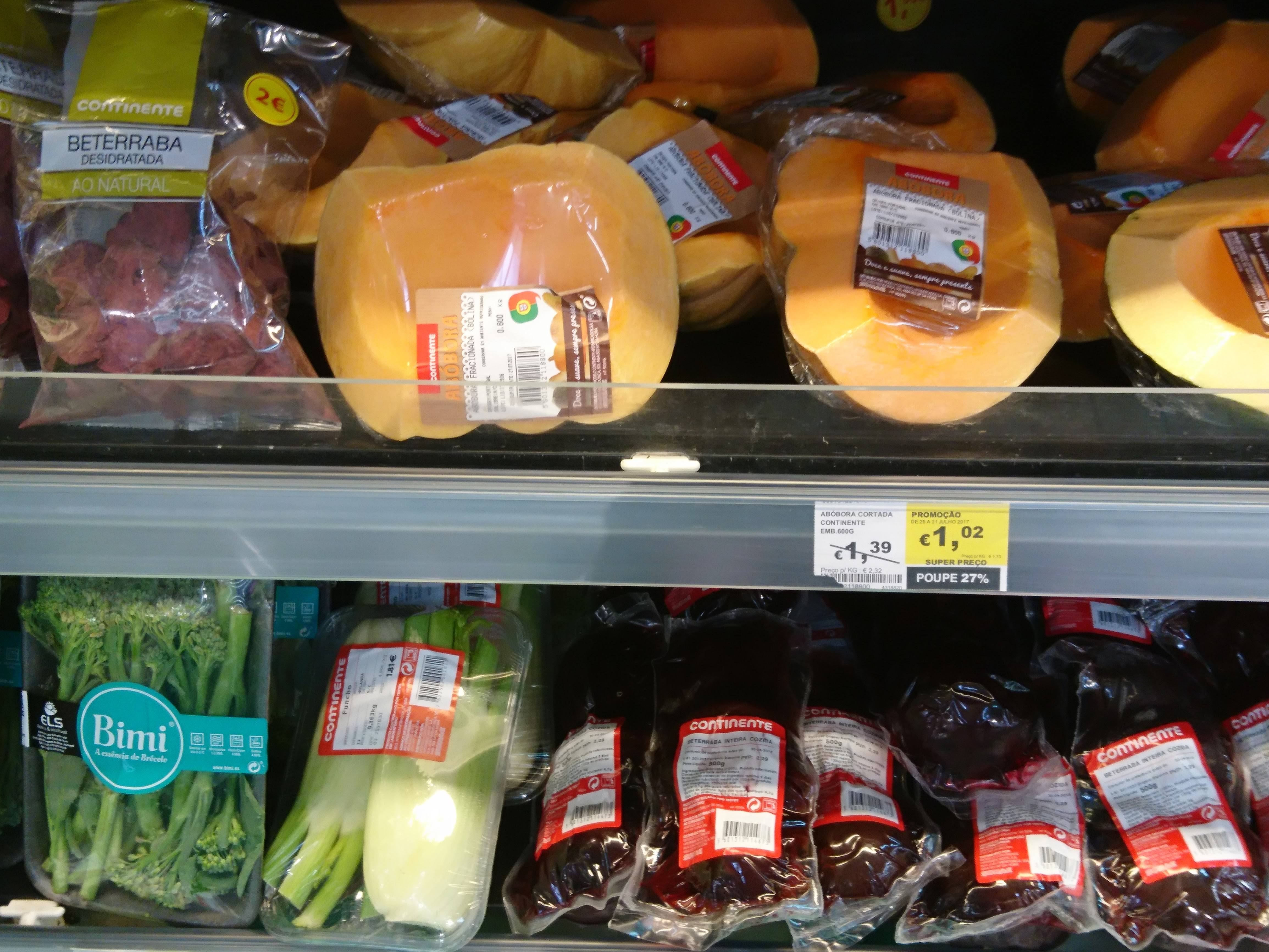 Cooking Tips | Welcome to my Butternut Squash Vs Pumpkin – here is the shelves with the fresh pumpkin on sale.