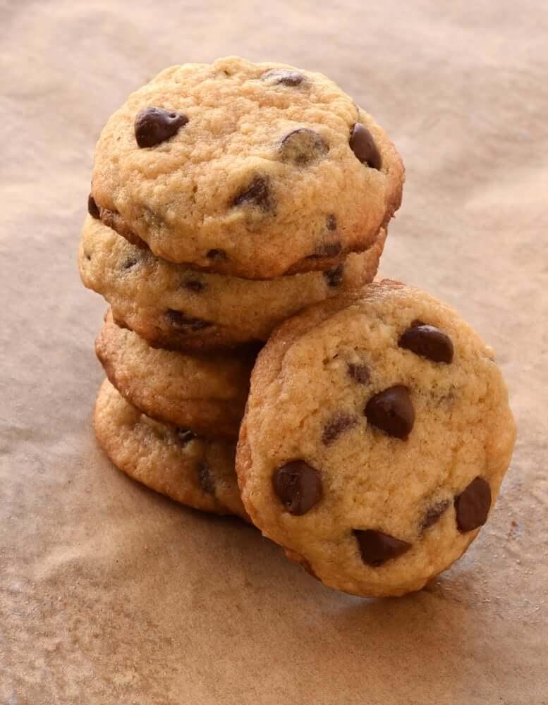 Airfryer Dark Chocolate Chunk Cookies • Recipe This