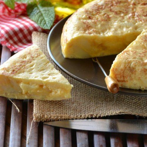 Welcome to how to make a Spanish Potato Omelette (Patatas De Tortilla) recipe.