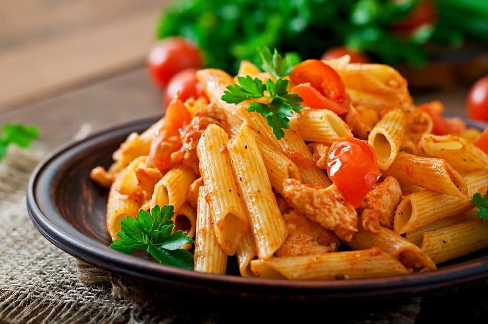 Welcome to my latest Instant Pot recipe and in our latest pasta recipe we are sharing with you our Instant Pot best ever turkey and tomato penne pasta.