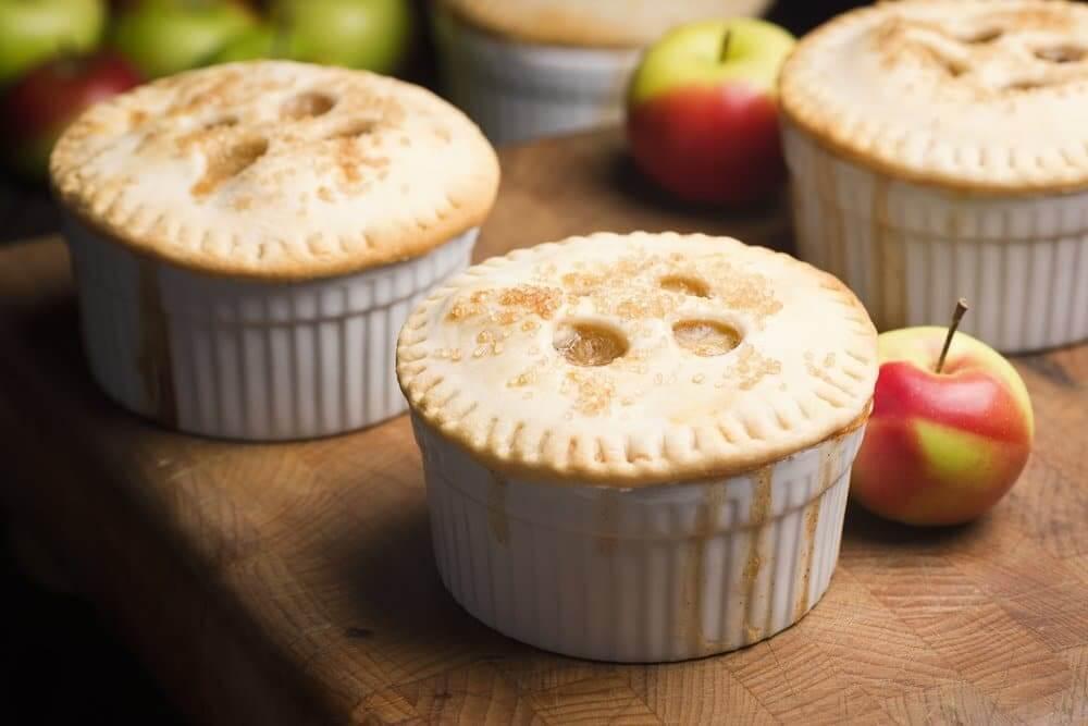 """""""mini apple pies"""""""