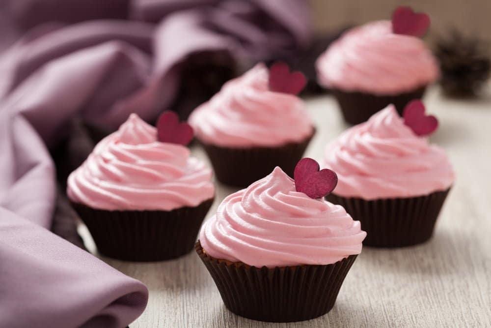 air fryer strawberry cupcakes