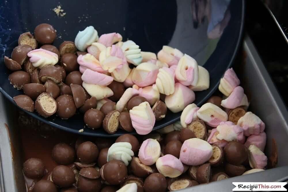 malteser traybake with marshmallows